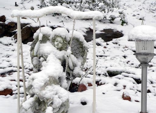 We are expecting snow in Atlanta tomorrow.