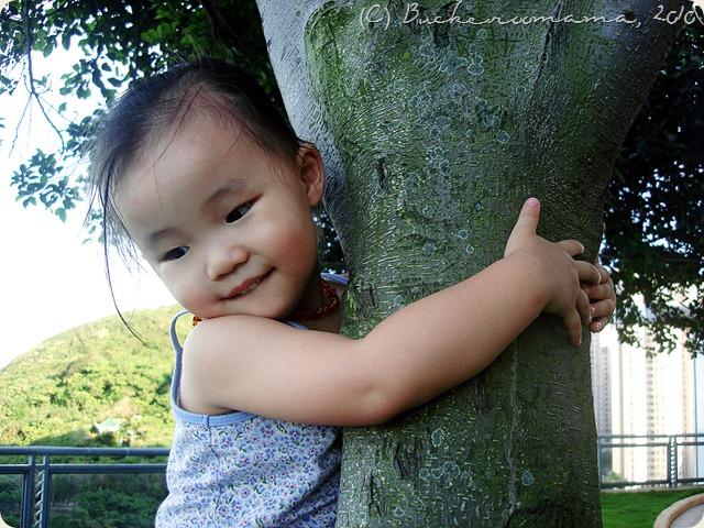 zoe-tree hugger1
