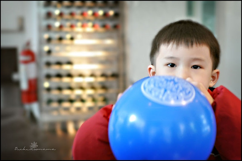 Blowing-balloon1