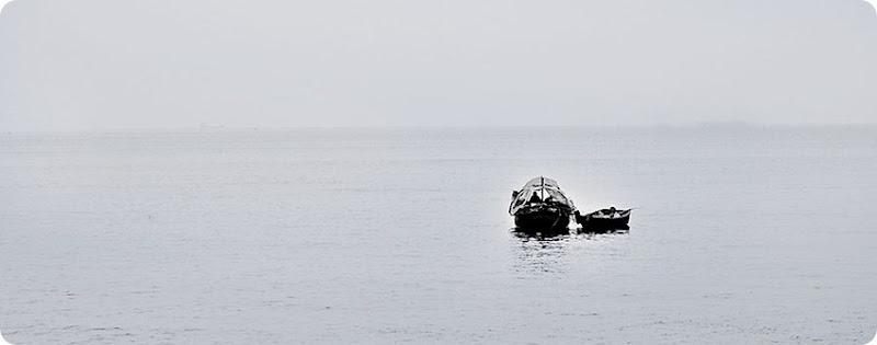 Fishing-boat---bw