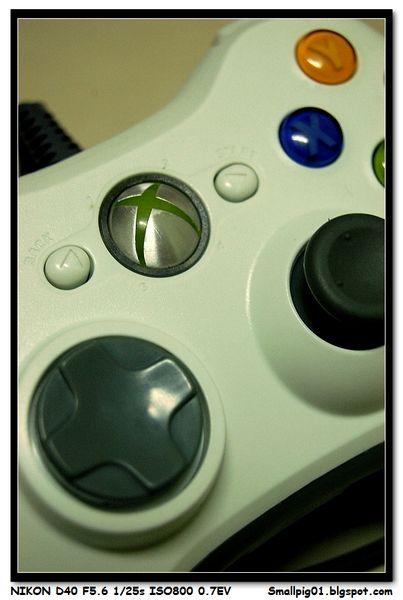Microsoft Xbox360 & PC 兩用有線遊戲控制手把