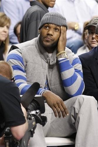 Wearing Brons 8211 Kentucky Wildcats Debut Nike Max LeBron VII PEs