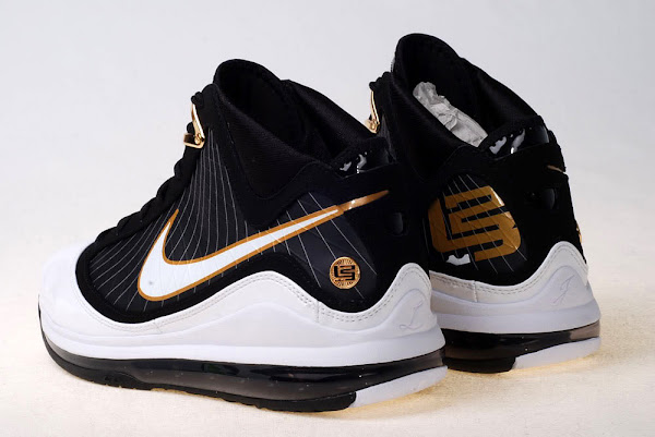 2010 NBA AllStar King James with the BlackWhiteGold AMLVII