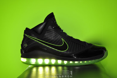 lebron7 black dunkman 87 web Air Max LeBron VII Black/Electric Green aka Dunkman Showcase