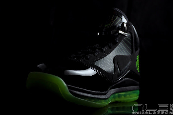 Air Max LeBron VII BlackElectric Green aka 8220Dunkman8221 Showcase