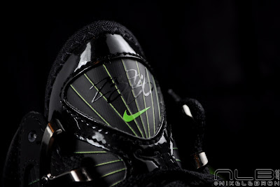 lebron7 black dunkman 63 web Air Max LeBron VII Black/Electric Green aka Dunkman Showcase