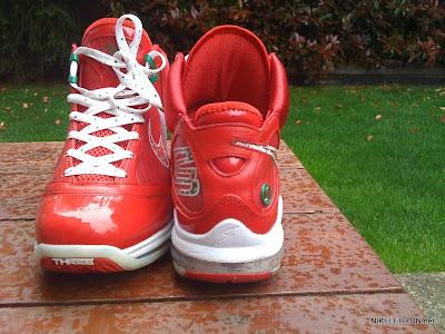 nike air max lebron 7 pe big apple 1 08 Leaked: Nike Air Max LeBron VII Xmas Sample / Big Apple PE