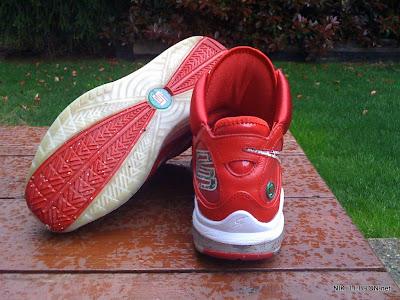 nike air max lebron 7 pe big apple 1 07 Leaked: Nike Air Max LeBron VII Xmas Sample / Big Apple PE