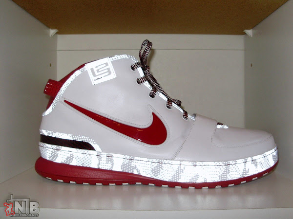 An Exclusive Look at LeBron James8217 ZLVI Home Player Exclusive