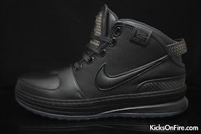 nike zoom lebron 6 gr black anthracite 9 01 General Release Zoom LeBron VIs   Black   Navy   New Photos