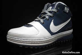 nike zoom lebron 6 gr white navy black 5 06 General Release Zoom LeBron VIs   Black   Navy   New Photos