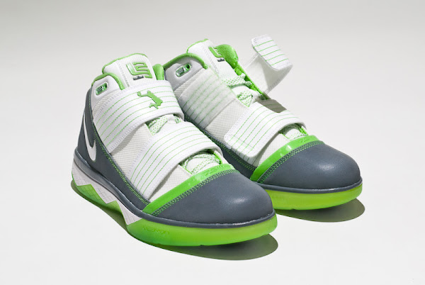 Two Faces of the Dunkman Nike Zoom LeBron Soldier III 3
