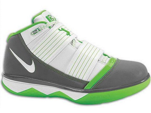 Dunkman Nike Zoom LeBron Soldier 3 Available at Eastbay NOW