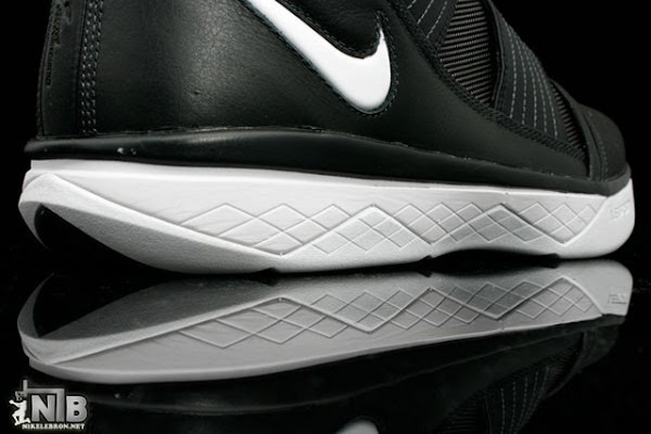 Detailed Look at Asia Exclusive Black and White Nike Soldier 3