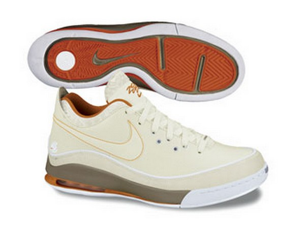 First Look at the Nike Air Max LeBron VII Low  Summer 2010