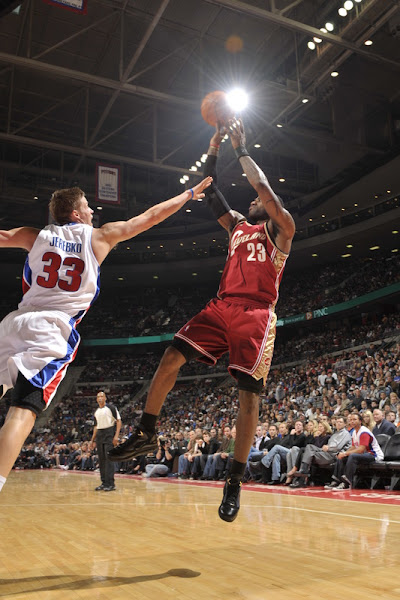 Cavs on a 3Game Winning Streak as They Outlast Pistons in Motown
