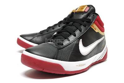 nike zoom lebron ambassador 2 gr black crimson gold 2 01 A Detailed Look at the Ambassador II in Black, Crimson and Gold
