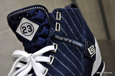 nike zoom lebron 5 pe yankees 1 01 Throwback Thursday: LBJ5 New York Yankees Signed by Spike Lee
