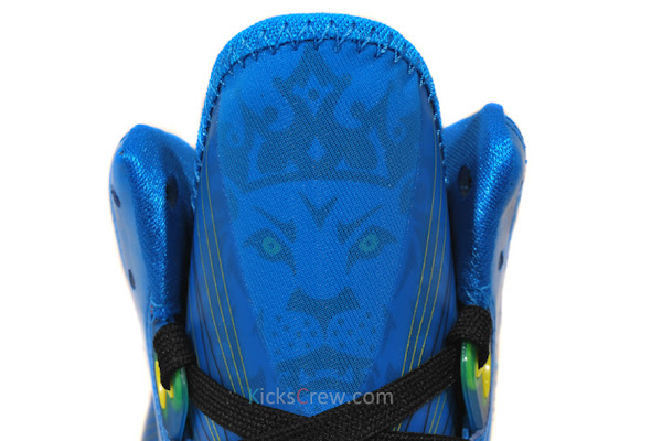 Nike LeBron 8 V2 8220Entourage8221 Photo BlueBlackTour Yellow