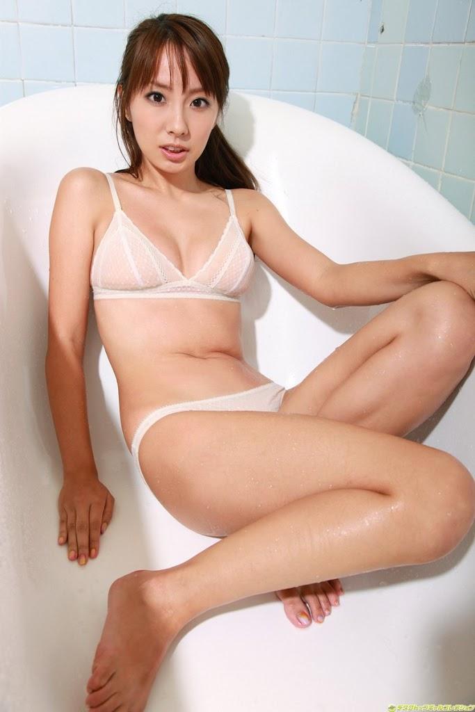 popular asian sexy model.jpg