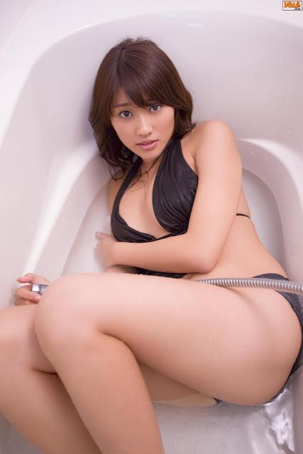 Mikie Hara - Bomb.tv.jpg