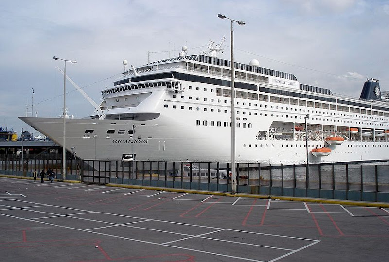 MSC Armonia Piraeus 24 april 2009