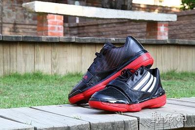 [生活-敗物] 低調紅黑籃球鞋