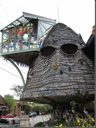 USA Mushroom House