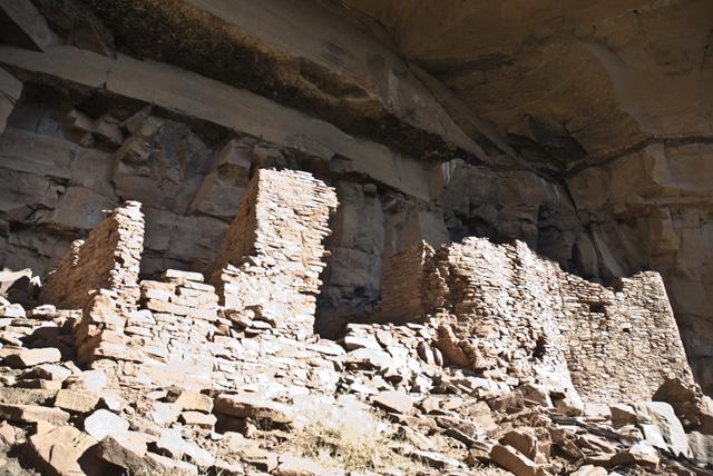 DSC_0054 ruins of honanki a sinagua 1100 to 1400 ad village en az.jpg