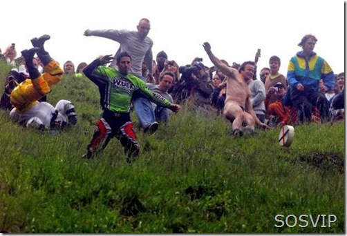 Cheese-Rolling-Wake-1
