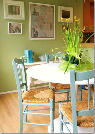 nook table chairs 2