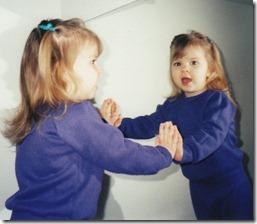 Arianne in mirror
