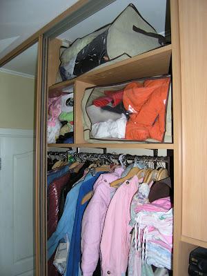 В шкаф-купе помещается много вещей