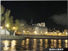巴黎塞納河畔夜間冬景