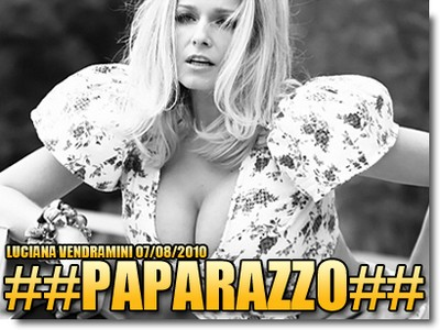 Download Revista : Paparazzo Agosto (2010)