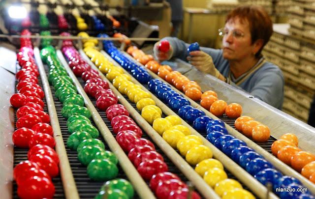 2009复活节 彩蛋生产线