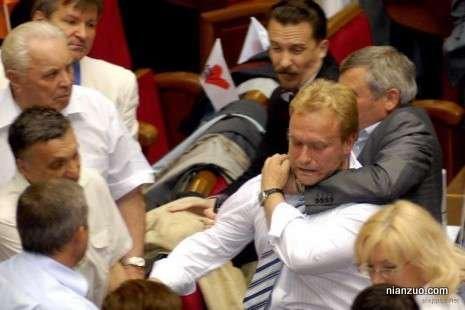 议会大作战 勒脖子