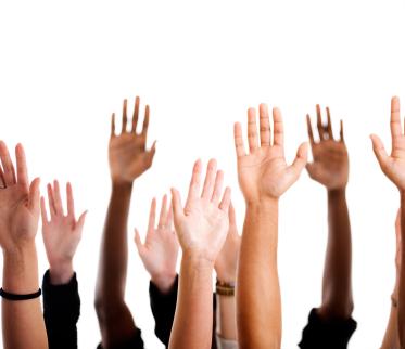 Que levante la mano quien se quiera apuntar a pasar un ratito con Viggo Mortensen Hands-up