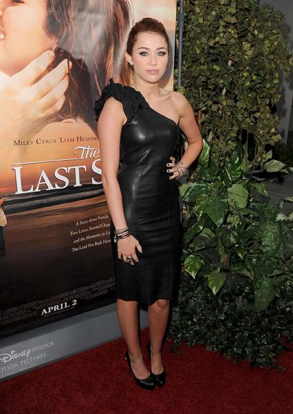 Miley Cyrus: Premier de The Last Song Lastosong-premier-BDLT-15