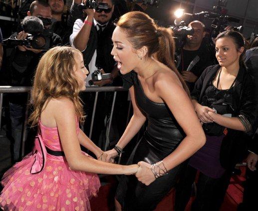 Miley Cyrus: Premier de The Last Song Lastosong-premier-BDLT-8