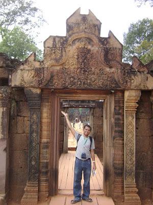 Bantaey Srei Gate