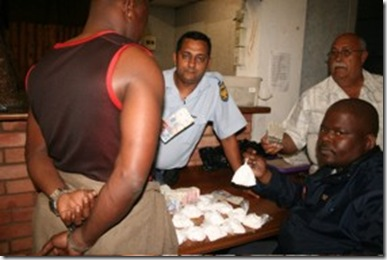 DurbanSgtAfzalKhan_ConstSceloNgidi_CocaineBustPointArea