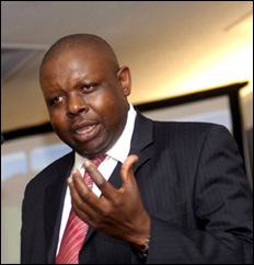 Judge John Hlophe Justice-Pres of Western Cape Refuses to shake white man&#39;s hand Aug 8 2009 M&amp;G