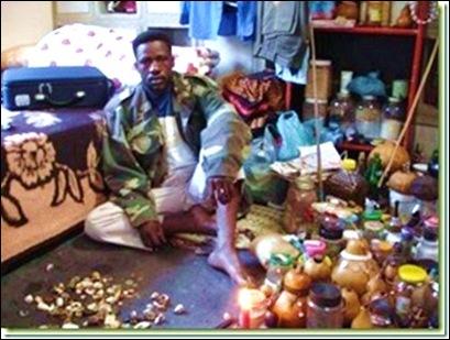 Traditional Healer_Pretoria_Pharmacopia_AfricanCrisisJanLamprechtPermission
