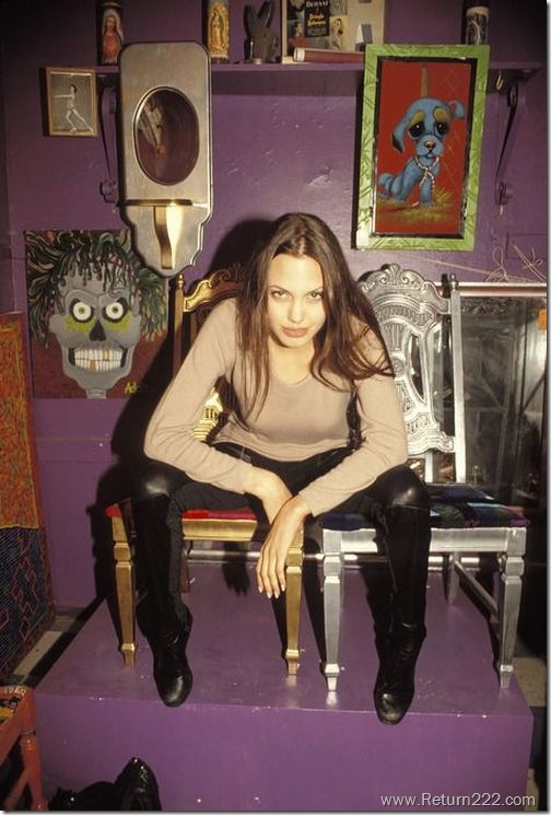 angelina_jolie_in_1994_09