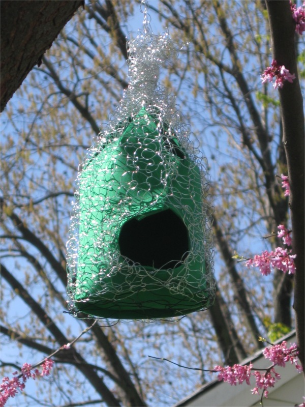 Knitting Dragonflies: Knitted wire birdhouse #2 for under $3.00