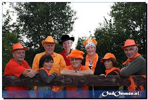 Bestuur Oranjevereniging Ommen viert 50-jarig jubileum(1555)ws.jpg