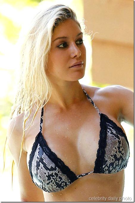 heidi-montag-bikini-in-costa-rica (12)