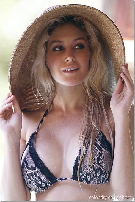 heidi-montag-bikini-in-costa-rica (20)