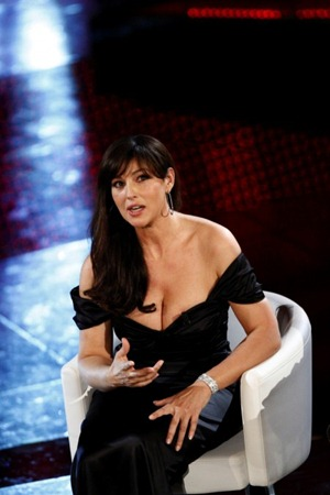 monica_bellucci_slip_6-450x675